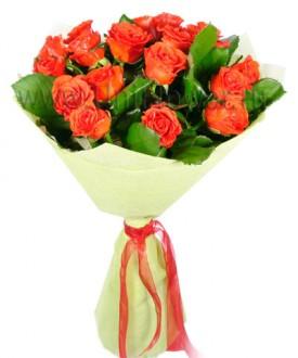 Букет 17 алых роз «Ассоль»