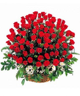 Корзина 101 роза «Триумф»