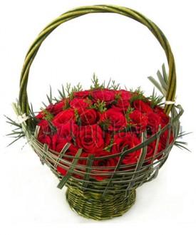 Корзина 25 бордовых роз
